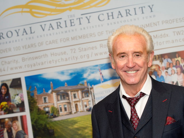 Tony-Christie-Royal-Variety-Charity-2016.jpg